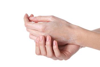 manos cuarteadas