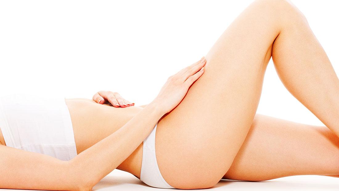 Las personas que se someten a una cirugía del contorno corporal suelen ser mujeres de entre 40 y 50 años.